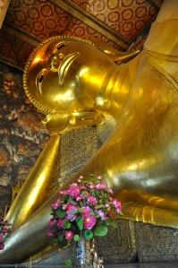 Grand Budha couché