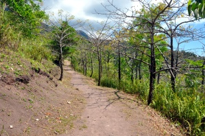 camiguin old volcano path