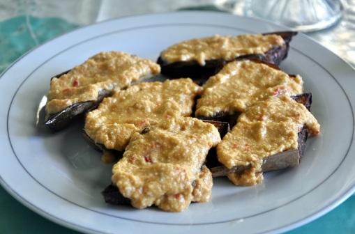 delfika bandaneira eggplant kenari