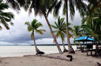 La plage en face de Ludy's home